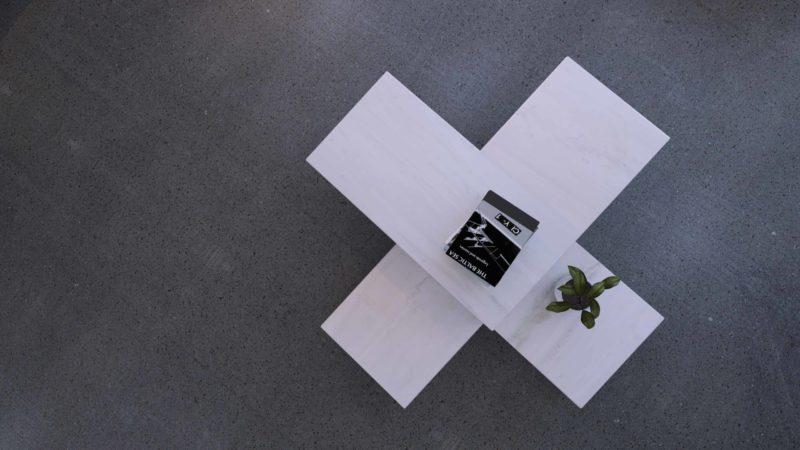 mono.rocks-marble-white-table